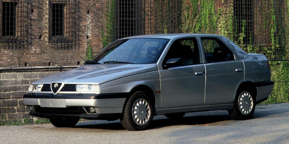 Alfa Romeo 155 1.8-2.0 Twin Spark 1992. Foto: Alfa Romeo