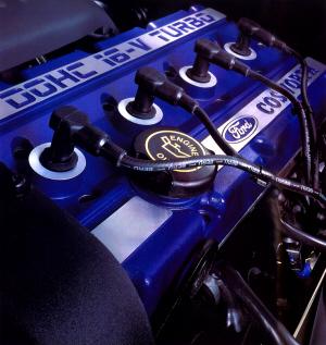 Foto de catálogo. Motor Cosworth YBT
