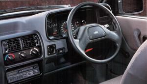 Ford Orion Mk2. Interior versión inglesa. Foto de catálogo.