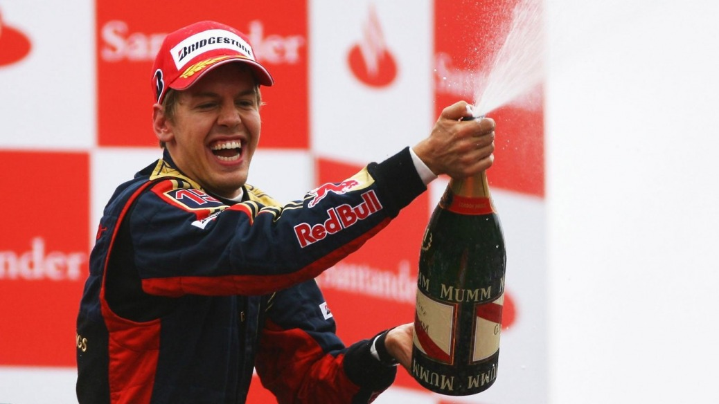 Victoria de Vettel, Monza 2008 Foto: ToroRosso (Photo by Paul Gilham/Getty Images)