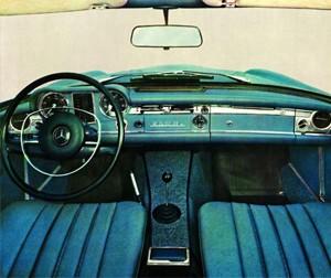 Foto: Interior Mercedes 250 SL. Foto de catálogo.