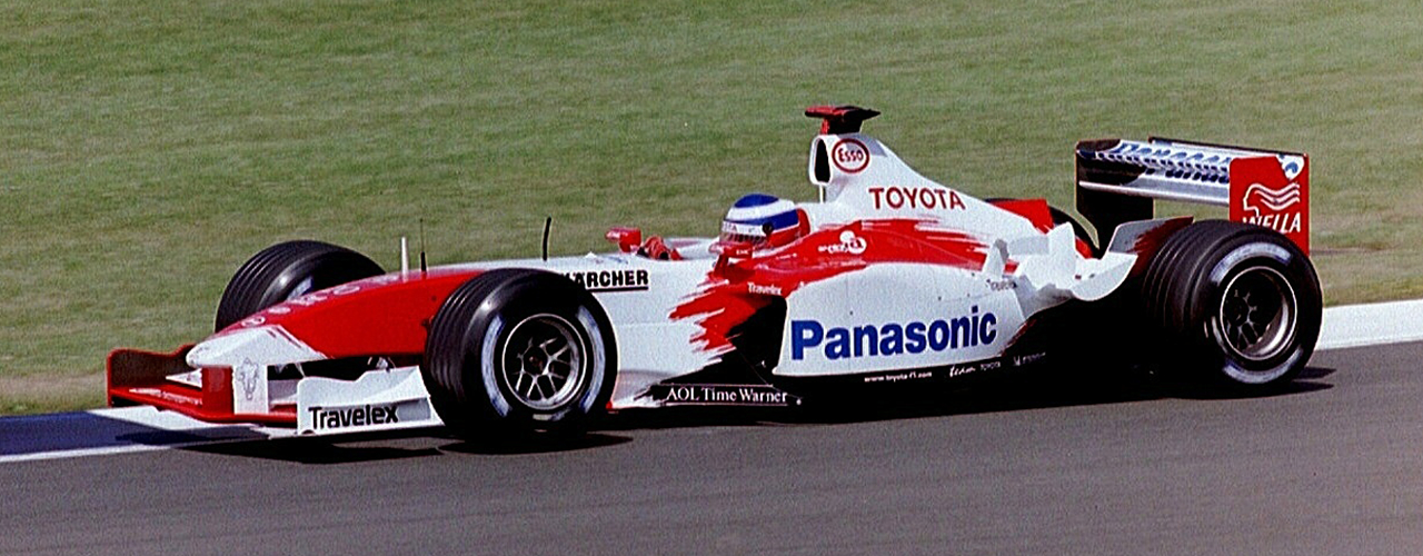 Toyota TF103 en el Gran Premio de Gran Bretaña, Foto: Martin Lee - C.C. 2.0