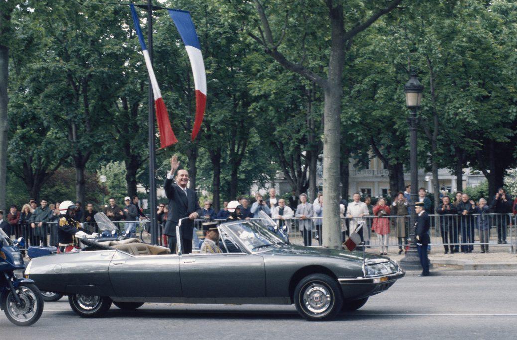 Jacques Chirac a bordo de un Citroën SM Presidentielle, 1970. Citroën Communication. Marc Desmoulins