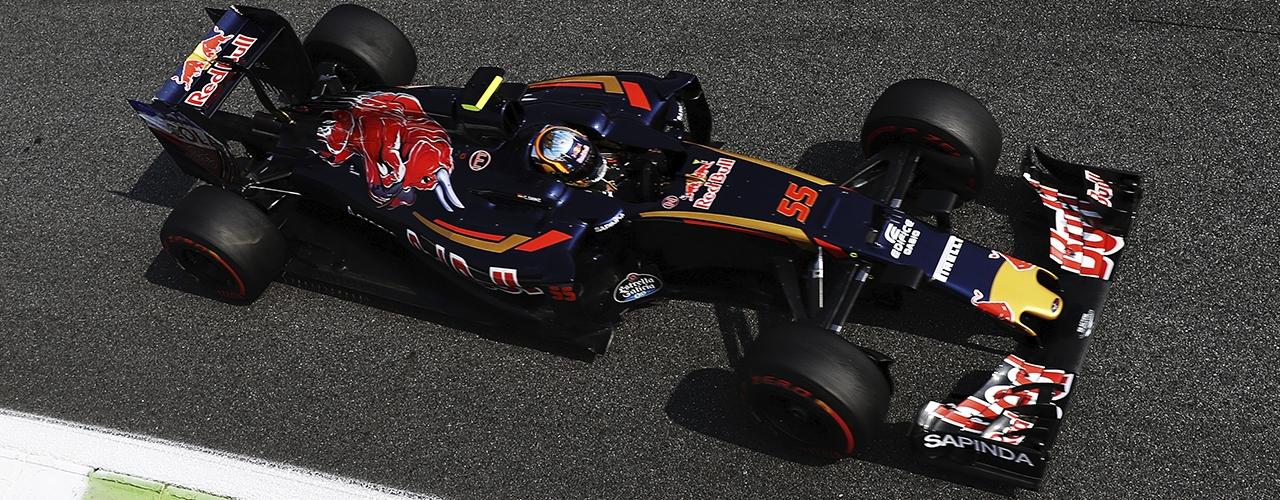 Toro Rosso STR11, Sáinz conduce en los entrenamientos del Gran Premio de Italia 2016. Photo: Mark Thompson / Getty Images. Red Bull