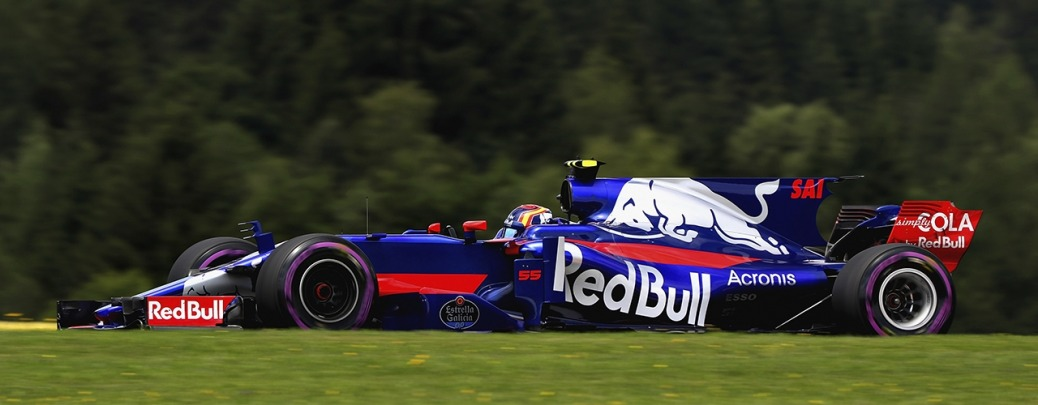 Toro Rosso STR12, Sáinz conduce en los entrenamientos del Gran Premio de Austria 2017. Photo: Mark Thompson / Getty Images. Red Bull