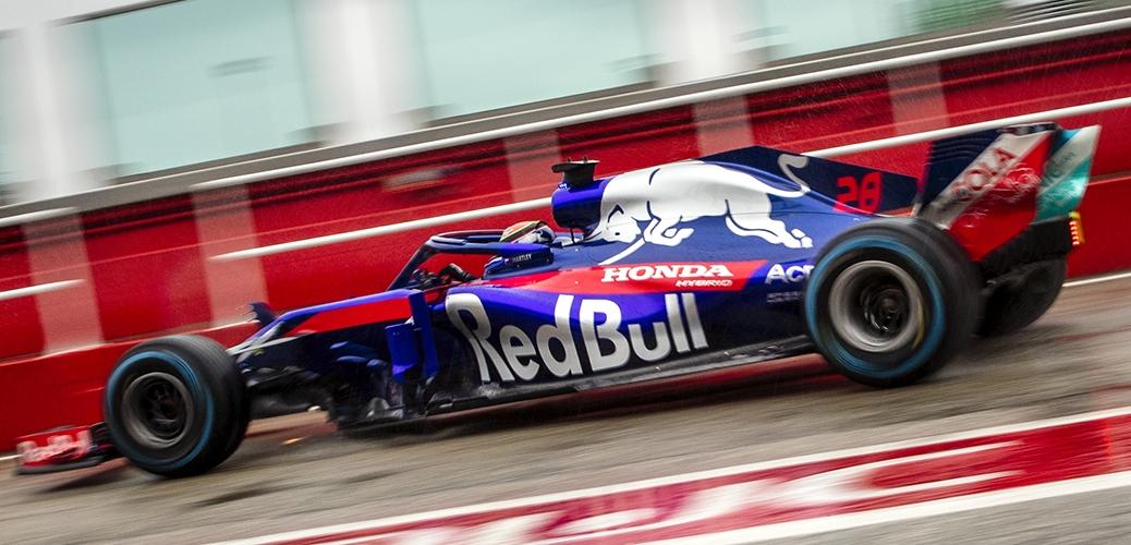 Toro Rosso-Honda STR13 Filming Day 2018 Misano, Italia, Pierre Gasly en el volante. Foto: Samo Vidic/Red Bull Content Pool
