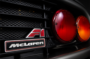 Rejilla trasera y logo del McLaren F1, Foto: McLaren Automotive Limited.