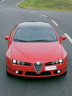 Vista frontal superior del Alfa Romeo Brera, Foto: Alfa Romeo