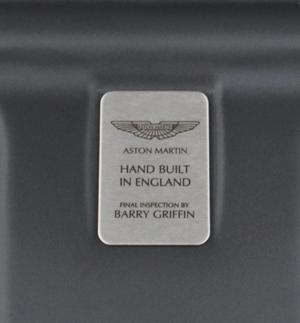 Placa de inspector final, Aston Martin DB9, Foto: Aston Martin