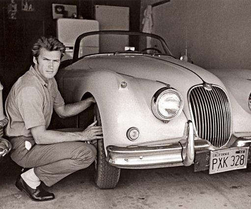 Clint Eastwood con su Jaguar XK150