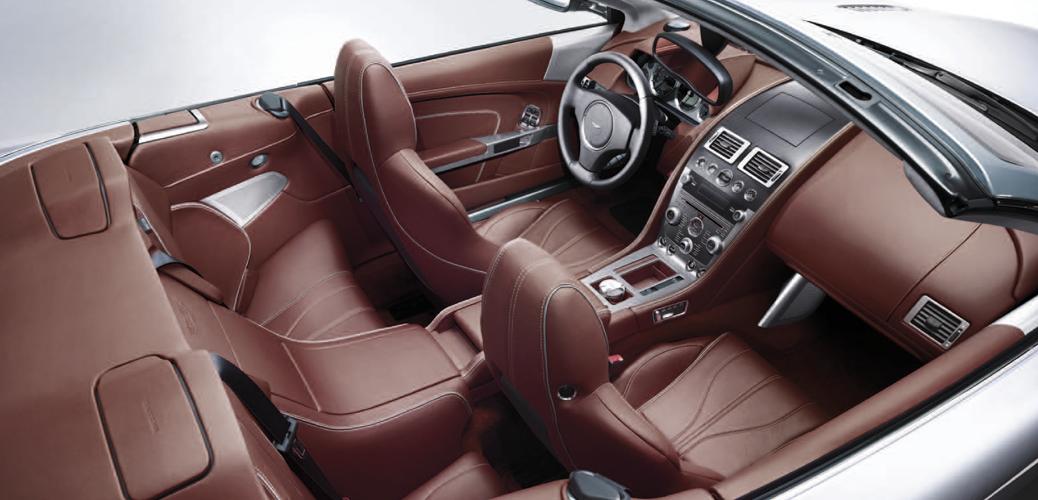 Interior DB9 Volante 2013. Foto: Catálogo Aston Martin