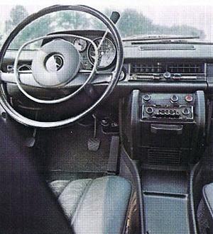 Interior Mercedes W115, Foto: Catálogo Mercedes de la época